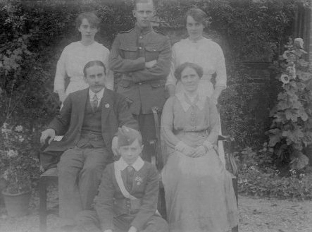 Family of Arthur and Emily Lett in 1915, 29k